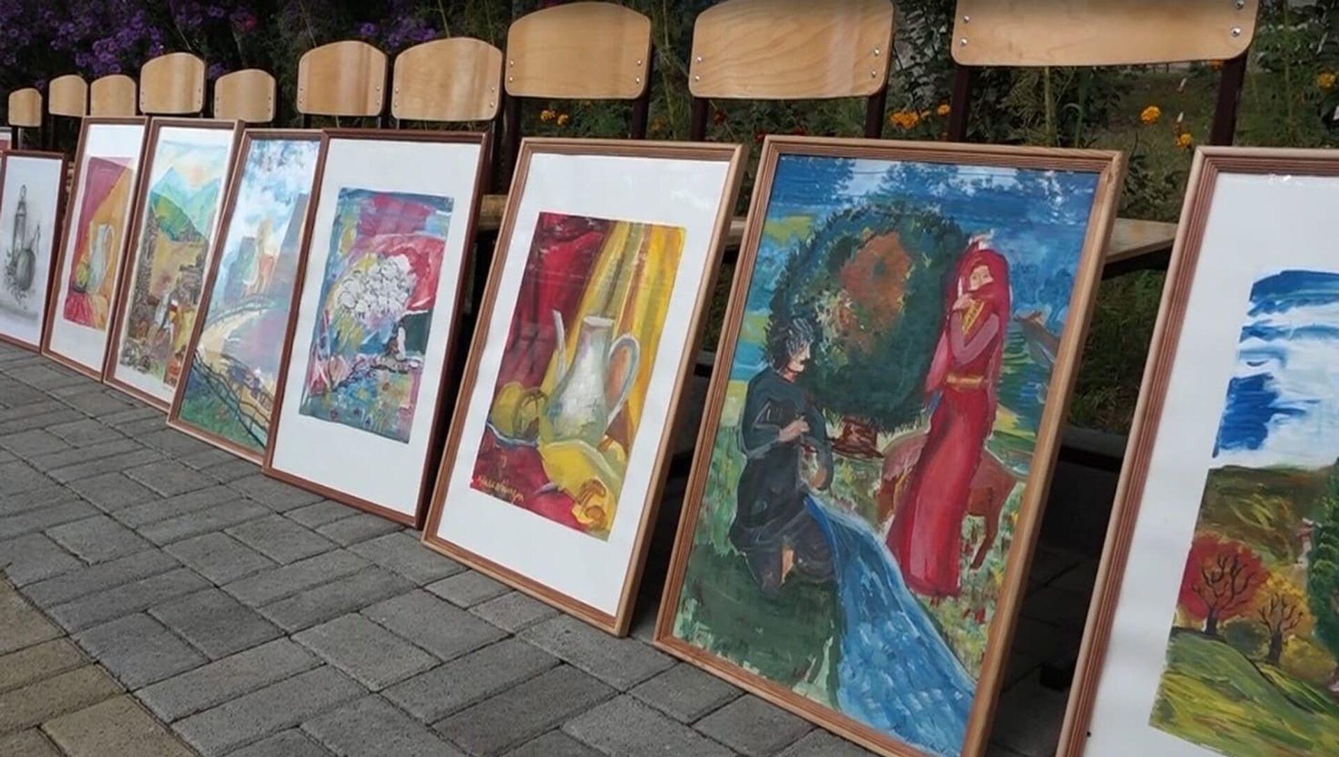 Юные художники из села Хетагурово представили свои работы в Ленингоре - Sputnik Южная Осетия, 1920, 21.09.2021