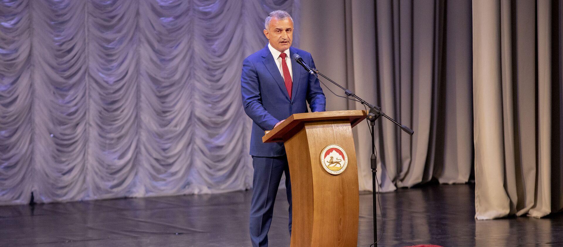 Торжественное собрание в честь Дня Руспублики в Южной Осетии - Sputnik Южная Осетия, 1920, 20.09.2021