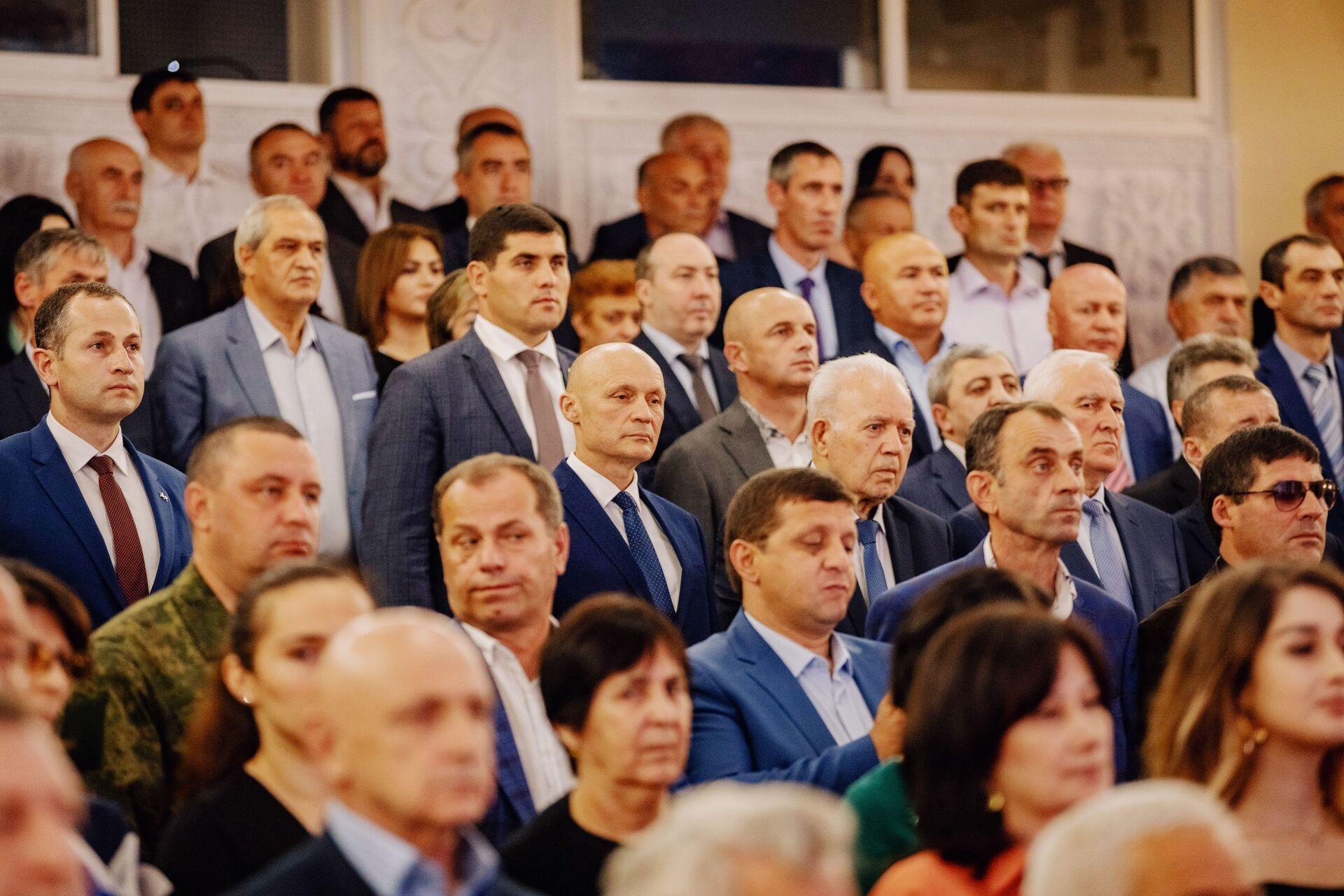 Торжественное собрание в честь Дня Руспублики в Южной Осетии - Sputnik Южная Осетия, 1920, 26.10.2021