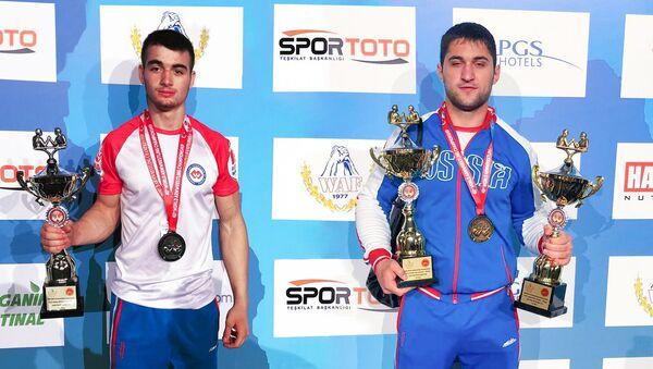 Арсен Хабалов и Сослан Гассиев - Sputnik Южная Осетия