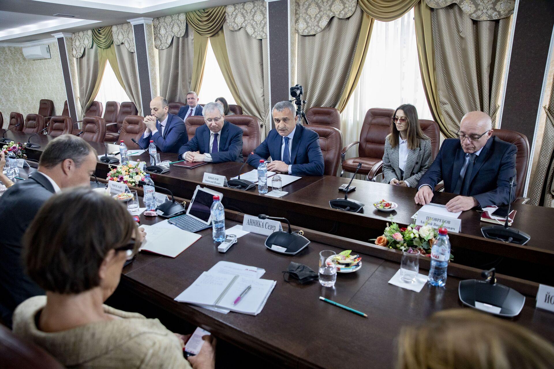 Встреча с сопредседателями Женевских дискуссий - Sputnik Южная Осетия, 1920, 26.10.2021