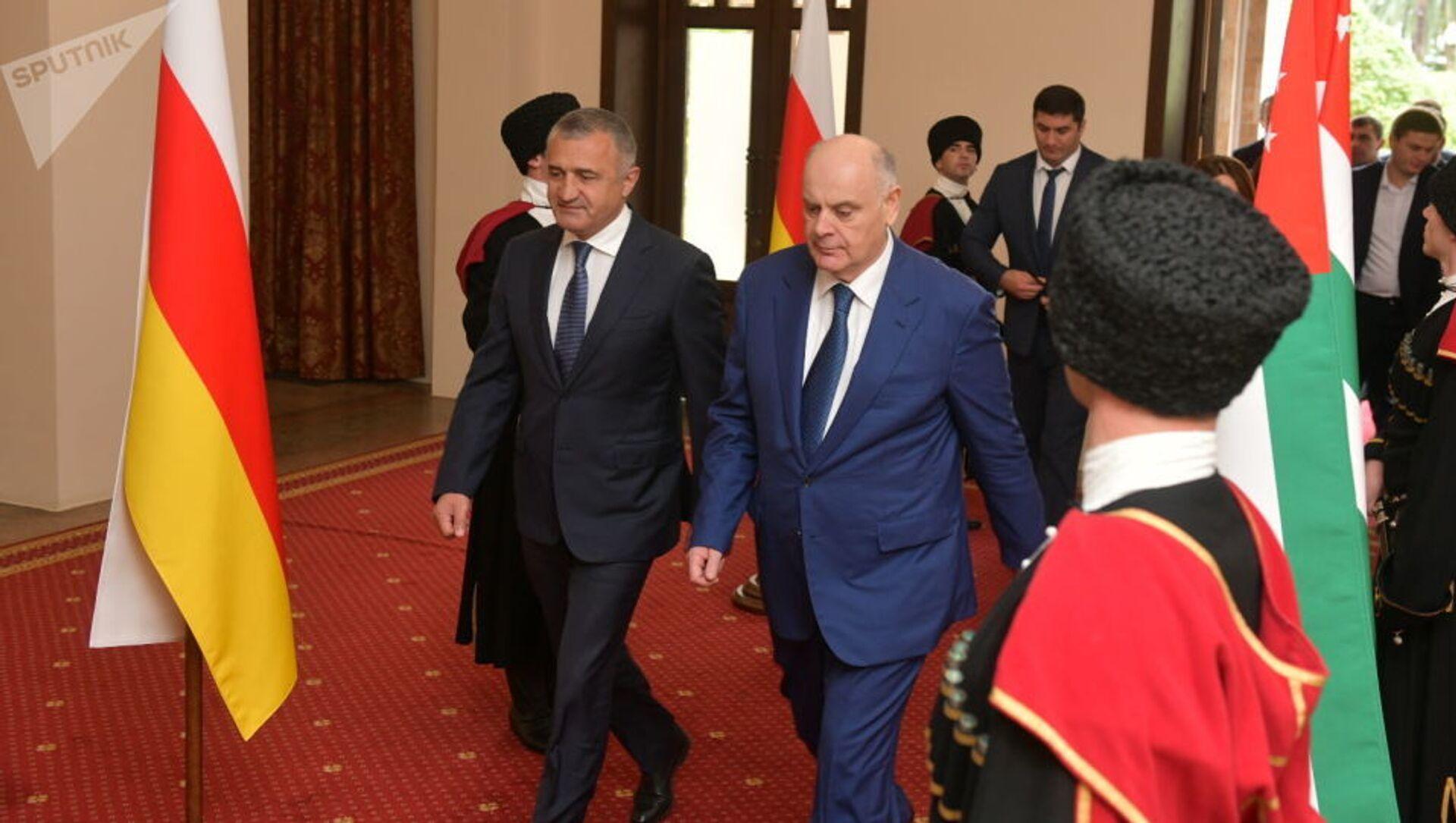Встреча президентов Абхазии и Южной Осетии состоялась в Сухуме - Sputnik Южная Осетия, 1920, 30.09.2021