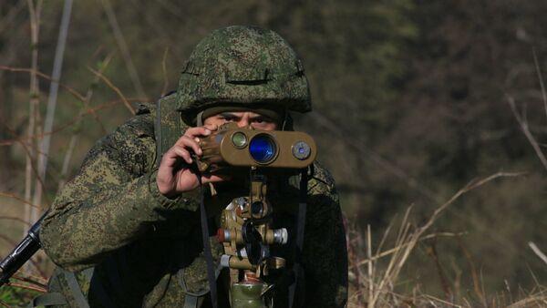 Военнослужащий российской базы в Южной Осетии на учениях  - Sputnik Южная Осетия