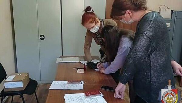 Юные граждане РЮО получили паспорта - Sputnik Южная Осетия