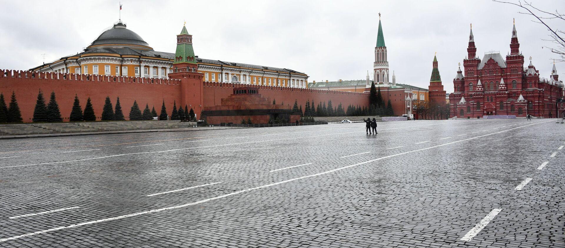 Красная площадь в Москве во время режима самоизоляции жителей - Sputnik Южная Осетия, 1920, 11.10.2021