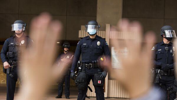 Полиция во время протестов в США - Sputnik Южная Осетия