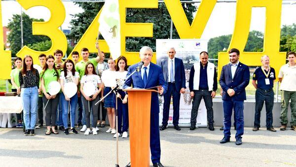 Глава Северной Осетии принял участие в акции по закладке бронзовых оттисков следов леопарда - Sputnik Южная Осетия