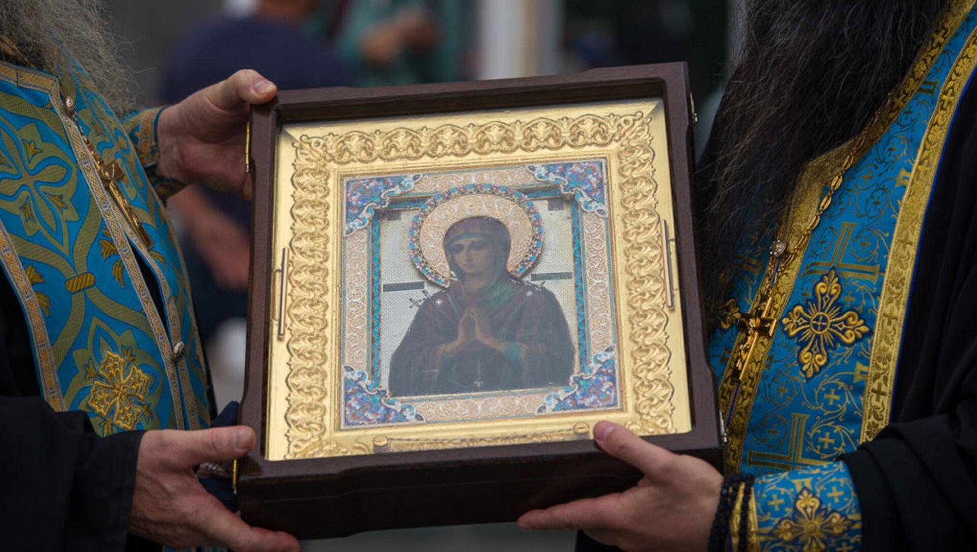 Икона Божией Матери Умягчение Злых Сердец (Семистрельная) прибыла в Северную Осетию - Sputnik Хуссар Ирыстон, 1920, 02.10.2021