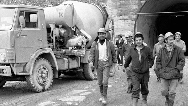 Строители на Рукском перевале - Sputnik Южная Осетия